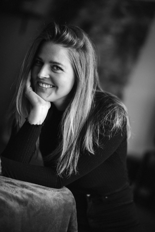 Dorina | Fremdsprachenkorrespondentin mit eigenem Café